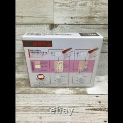 Nintendo New Famicom NES Japan Retro Video Game Console 2 Controllers