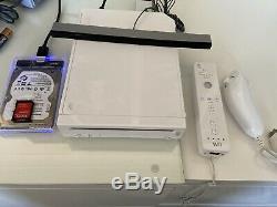 White Nintendo Wii Bundle 200+ Games See Desc GameCube N64 NES Retro