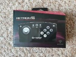 Hyperkin Retron 5 Retro Console Boxed And Complete Avec 14 Jeux Japonais
