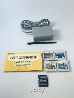 Nintendo 3ds XL Nes Retro Silver Edition Système De Poche Avec Chargeur 4 Jeux