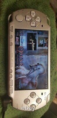 Psp 2000 Silver, Avec 32 Go De Carte De Jeu, 50 Jeux Psp, 3000 Jeux Rétro
